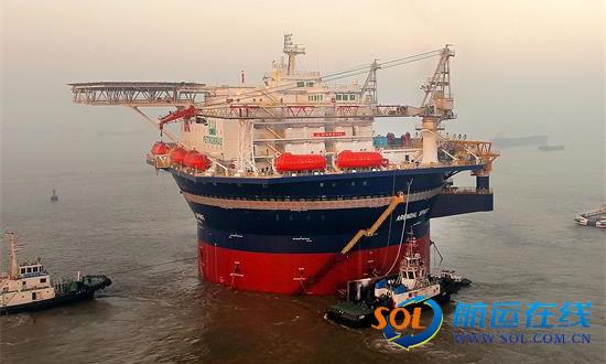 世界首座半潜式圆筒型海洋生活平台出海试航