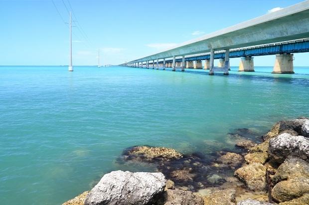 世界十大最美公路(已走过加州highway<wbr>1<wbr>和<wbr>佛罗里达跨海高速,希望可以找到一知己走完