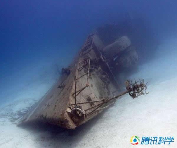 开曼布拉克岛的356护卫舰