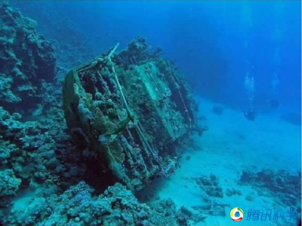 埃及红海中的无名游艇